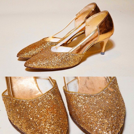 "Authentic vintage 1950s-1960s metallic gold glitter strap pumps with 2.5"" Heel women's size 7.5"