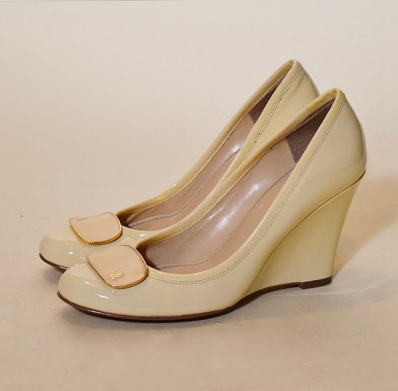 "Vintage Ralph Lauren patent leather cream / beige patent leather round toe 3.5"" wedge heel women's US size 6.5"
