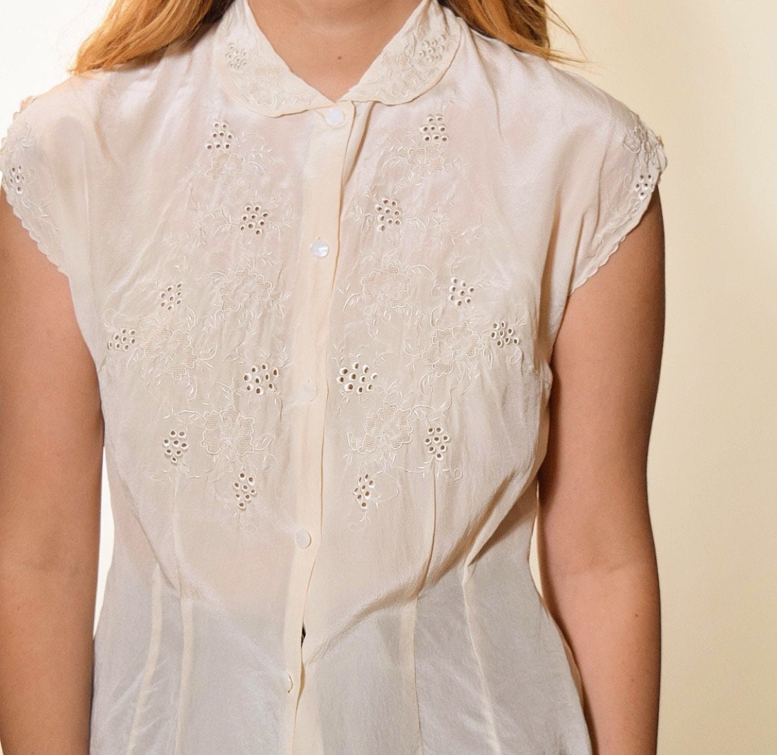 7f8fe083 1940s authentic vintage dainty silk button down blouse with Peter Pan ...