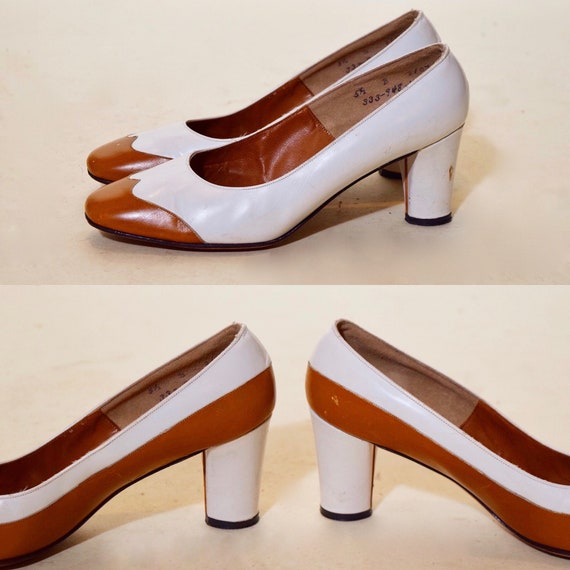 1940s-1950s authentic vintage white + chestnut brown two tone spectator sound toe chunky heel pump women's US size 5.5