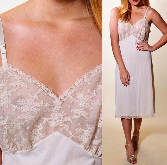 Authentic vintage off white  nylon lace bodice slip dress / nightie women's size Small-Medium
