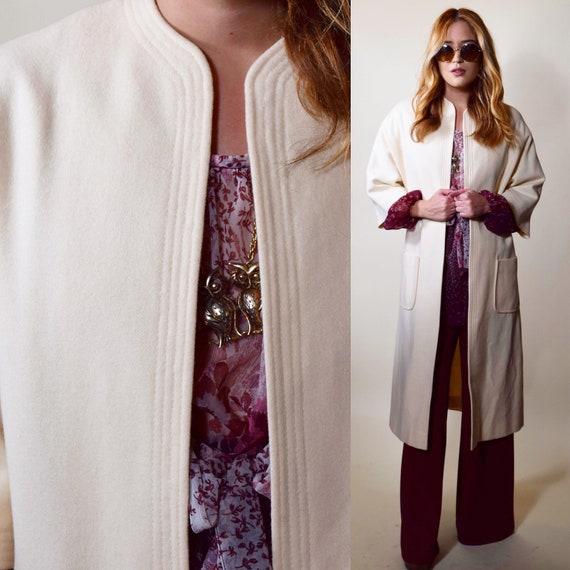 Authentic vintage white/off white 3/4 sleeve length open front long coat women's size medium