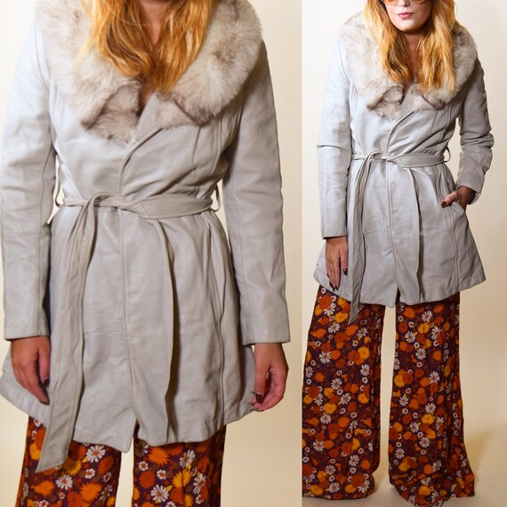 1970s authentic vintage Wilson's leather off white coat with fur collar women's size small/medium