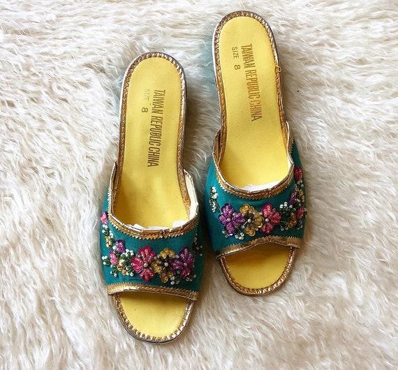 1960s vintage floral beaded open toe slip on slipper type box heels women's US size 7-7.5