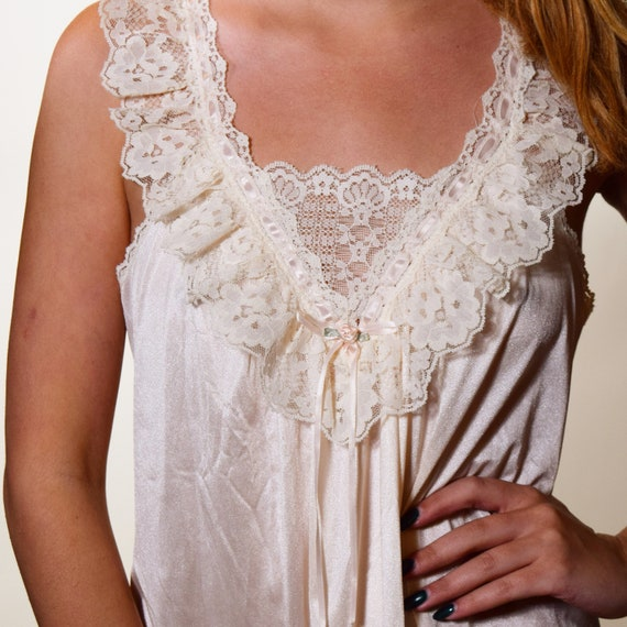 Authentic vintage off white + peach pink nylon nightgown with dainty lace bodice women's size medium