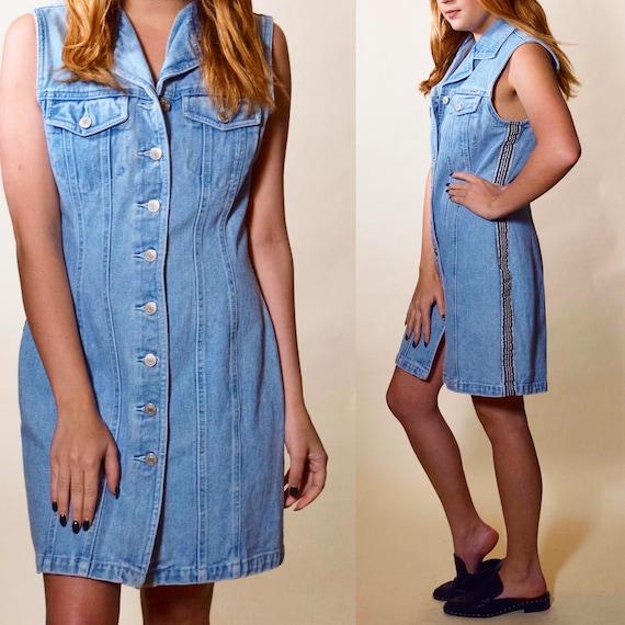 1990s vintage light blue wash denim button down collared mini shirtdress women's size small-medium