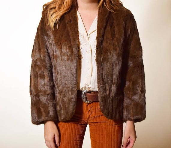 Vintage 1960's Beautiful brown cropped fur jacket/ Old Hollywood/ Glamorous/ classic coat / women's size small / medium