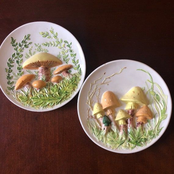 1970s authentic vintage hand painted Byron mold mushroom wall hanging plates