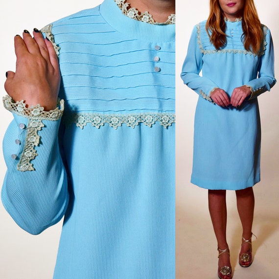 1960s rare vintage light baby blue mini dress with antique lace bib style collar and cuffs women's size medium