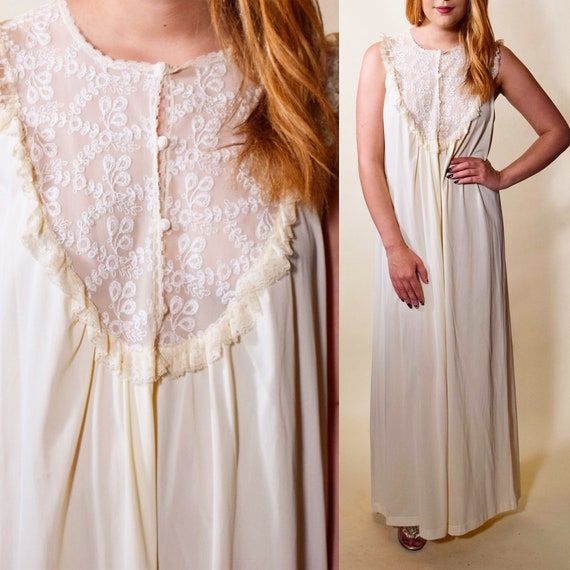 1970s authentic vintage off white lace + nylon nightgown women's size medium-large