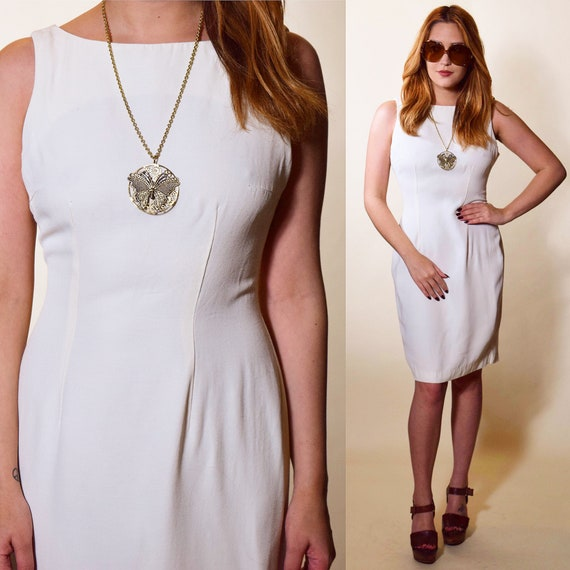1980s vintage white sleeveless fitted knee length dress women's size XS-S