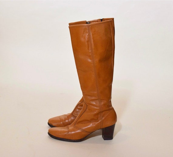 """Vintage 1970's bohemian tall chestnut brown leather campus boots with 2.5"""" heel women's size 8"""