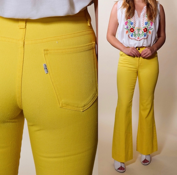 1970s authentic vintage yellow high waisted Levi's bell bottom flare pants size XS/OO