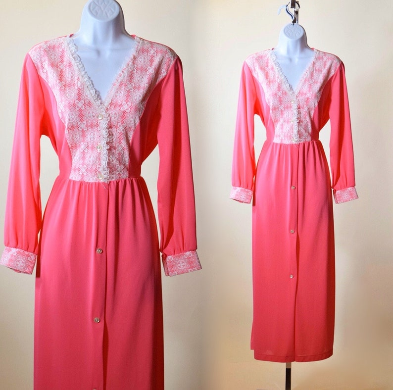 85b99ee4205 1970s authentic vintage hot pink nylon + lace long sleeve robe women's size  S-M