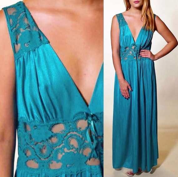 1970s-80s teal blue sexy Vintage lace bodice nylon nightgown women's size small- medium