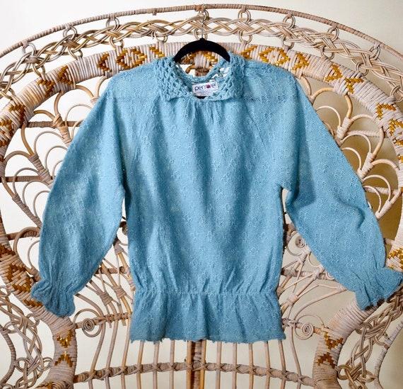 1970s authentic vintage blue acrylic Peter Pan collar sweater women's size medium