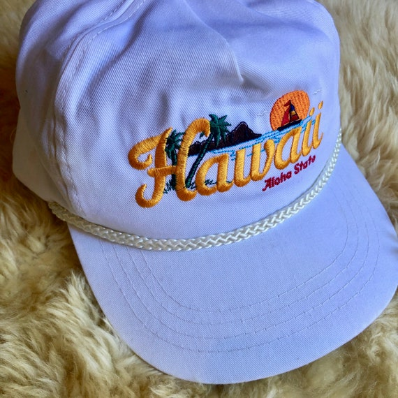 Authentic Vintage 1980's  Hawaii rainbow sunset embroidered souvenir adjustable  flat brim hat