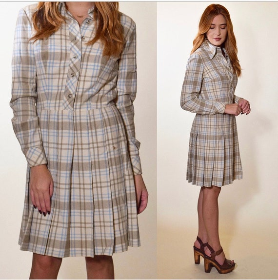 1960s - 1970s authentic vintage light gray blue plaid fit and flare pleated button down dress women's size small-medium
