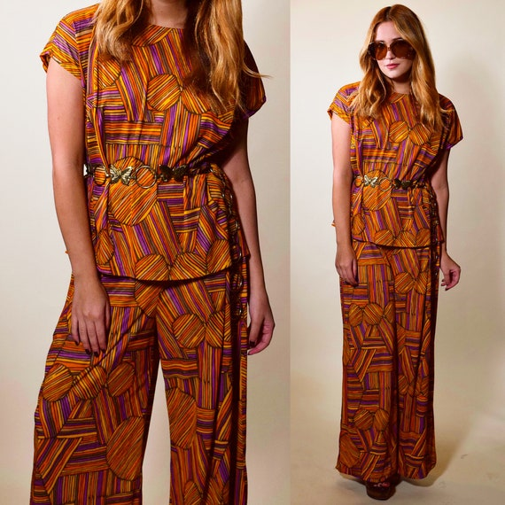 1960s-1970s authentic vintage orange earth tone geometric print tunic blouse + bell bottom pant suit set women's size large