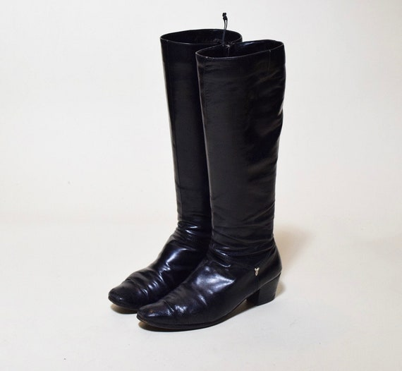 1960s authentic vintage Salvatore Ferragamo black leather tall boots with chunky heel women' s US size 7.5
