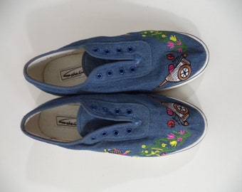 d10635fb439921 Country Garden embroidered vintage sneakers   Denim Vans-like Keds-like 80s-90s  lace up SEBASTISO athletic    Women s size 8.5-9 USA