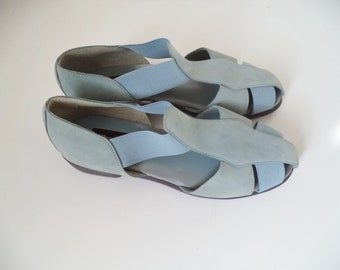 709173f0e Dead stock 90s light blue strappy sandals   Like NEW vintage VALLEY LANE    Soft leather elastic hipster slipons   Women s size 9 usa