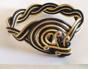 Black\Gold Loop Bracelet