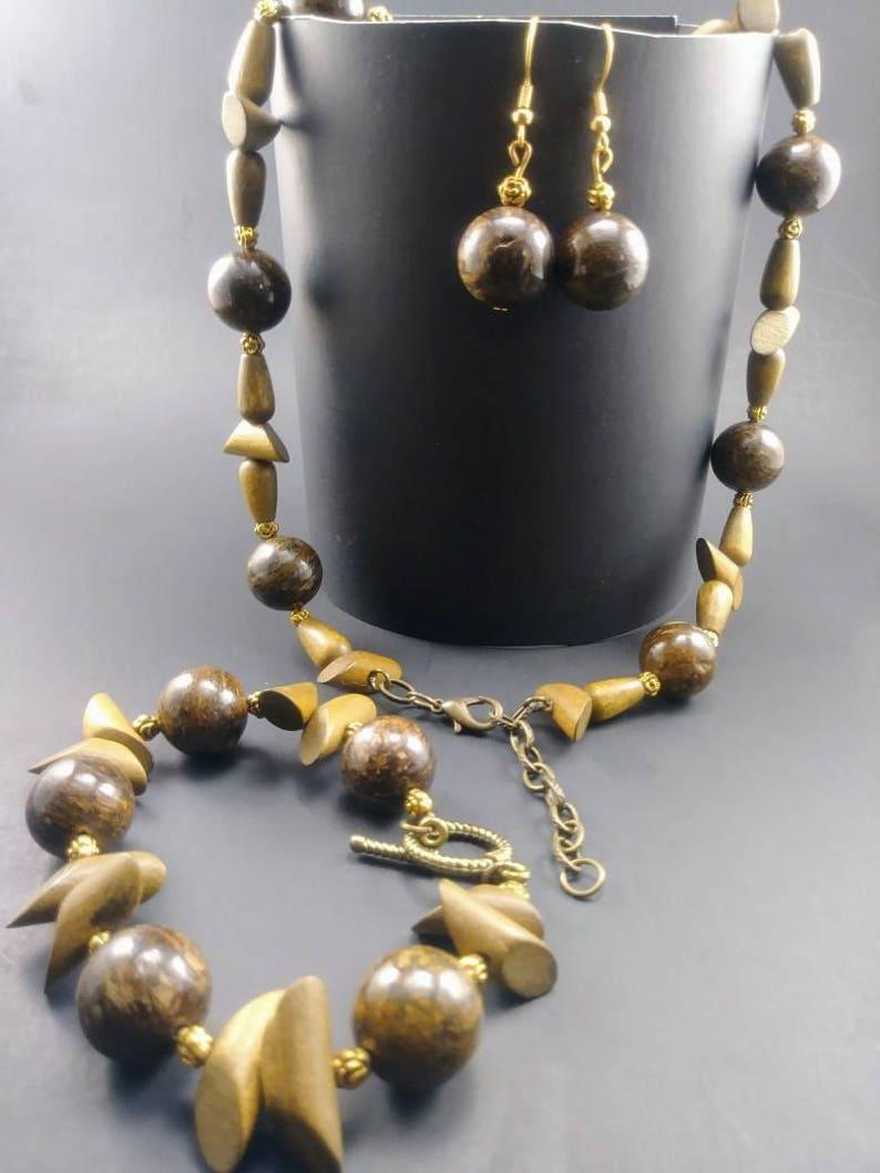 Elegant Bronzite  /& Wood Necklace Set