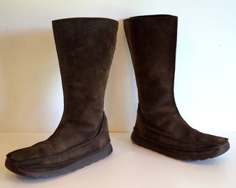 Vintage leather boots by Clarks ORIGINALS Brown womens boots Genuine suede leather boots US size 8 UK 6  Zipper on the back Made in Vietnam