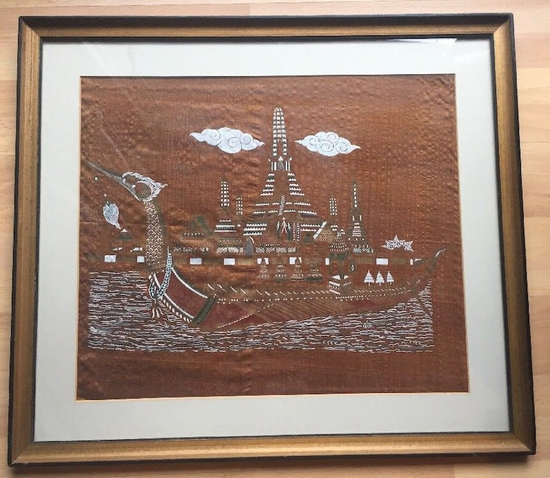 Cultures & Ethnicities Vintage Thai Screen Print On Silk Dragon Boat Bangkok Wut Arun Mcm Wood Frame Thai & Siamese