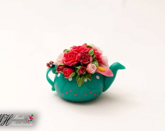 Teapot miniature with roses
