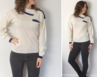 SALE! Vintage Mod Turtleneck Sweater | Ivory and Navy Blue Small Sweater