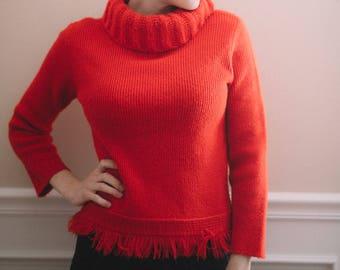 Vintage red fringe turtleneck sweater   ribbed knit turtleneck