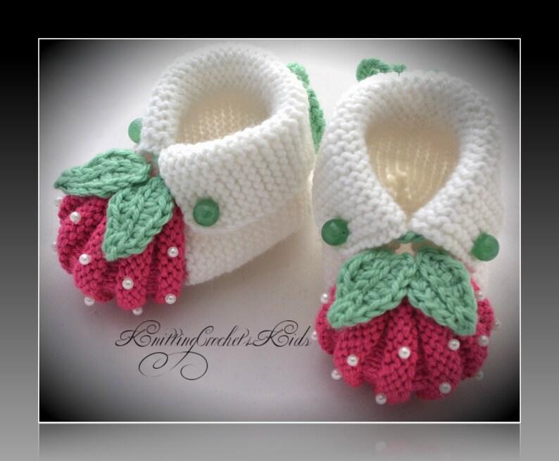 """1 pair Handmade knitting baby slippers /""""Berries/"""""""