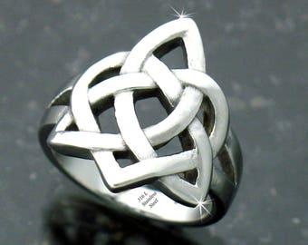 Sister's Knot Celtic Ring, 118, Celtic  family Knot Heart Ring,Irish Ring,Love Knot Ring, Sisters Ring, Friendship Ring, Celtic Ring