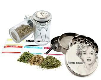 "Marilyn Monroe - 2.5"" Zinc Alloy Grinder & 75ml Locking Top Glass Jar Combo Gift Set Item # 50G012516-12"