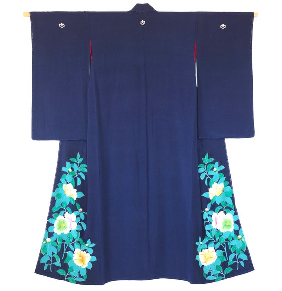 IRO TOMESODE kimonoー A bottom part of kimono is drawing flowers etc of the Japan.
