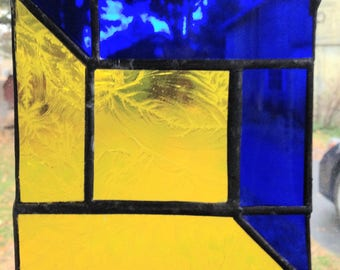 Blue & Yellow quilt pattern stained glass