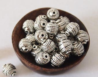8 Metal Beads Oval Shape Antique Silver Textured Pattern Size 10 x 8mm
