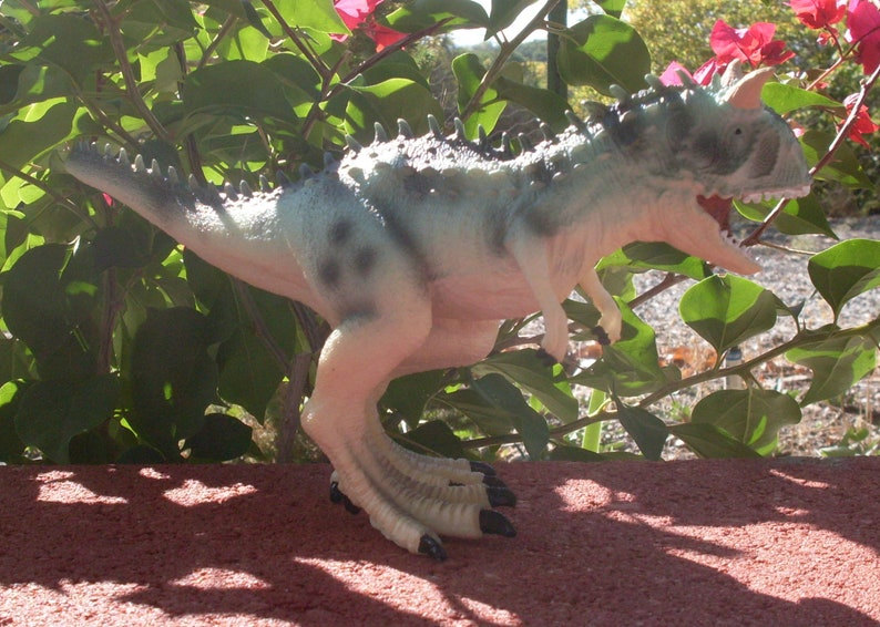 Kids Toy Carnotaurus Dinosaur Model Jurassic Park Jurassic world Toys  Children Kid Toddlers Girls Boys Dinosaurs Triceratops Plesiosaurus