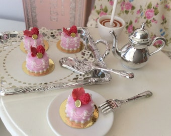 Marie-Antoinette Style French Pink Pastry for Blythe