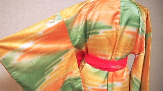 yellow shiny kimono / japan vintage kimono / kimon