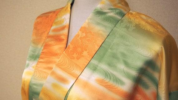 yellow shiny kimono / japan vintage kimono / kimo… - image 7