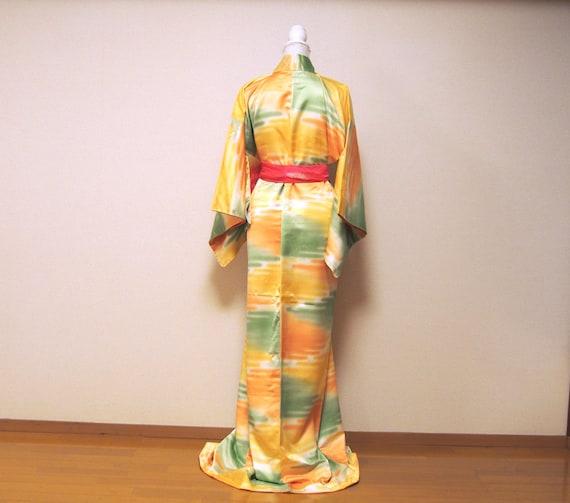 yellow shiny kimono / japan vintage kimono / kimo… - image 9