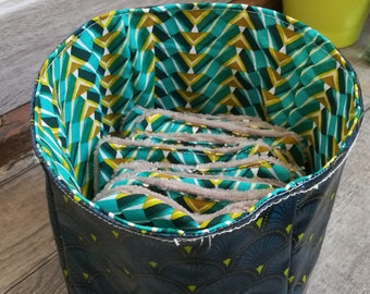 "12 pretty wipes/cotton washable and their ""Green afro"" basket"