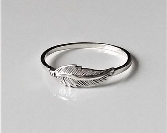 Leaf Skinny Ring, Thin Stacking Ring, Thumb Ring, Minimalist Dainty Ring, Minimalist Jewelry/