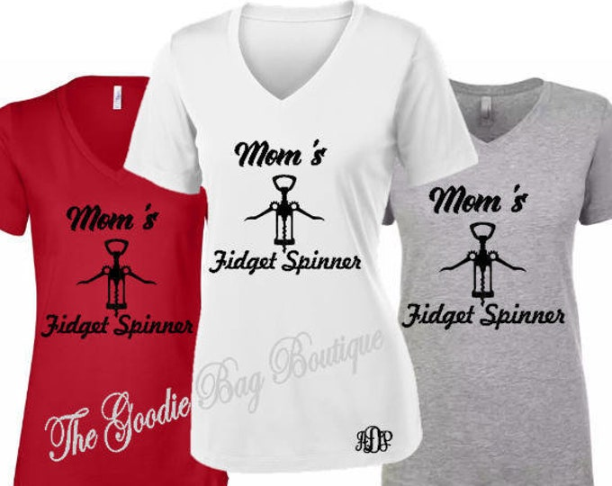Mom's Fidget Spinner T-Shirt-Mom Personalized Shirt-Mother's Day Gift Idea-Gift for Mom-Custom Shirt for Mom-Funny Saying Shirt-New Mom Gift