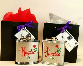 Wedding Party Gift-Personalized Flask,  Bridemaids, Maid of Honor, Best Friend Gift, For Her