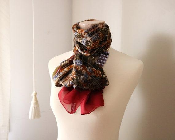 Les Copains scarf Larioseta scarf Logo Designer sc
