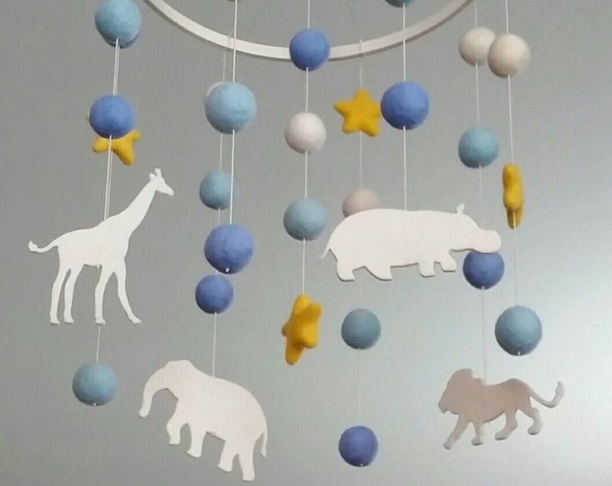 Baby Mobile : Safari Animals with moon and stars mobile